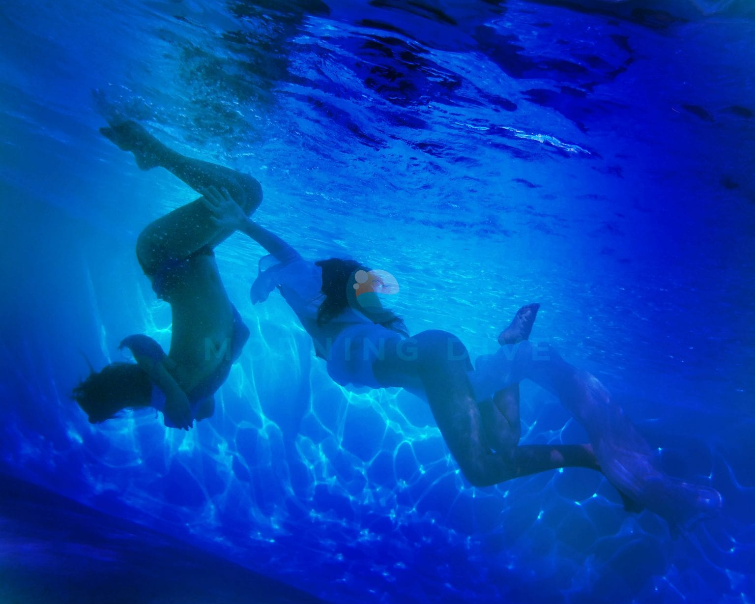 underwater photography two women