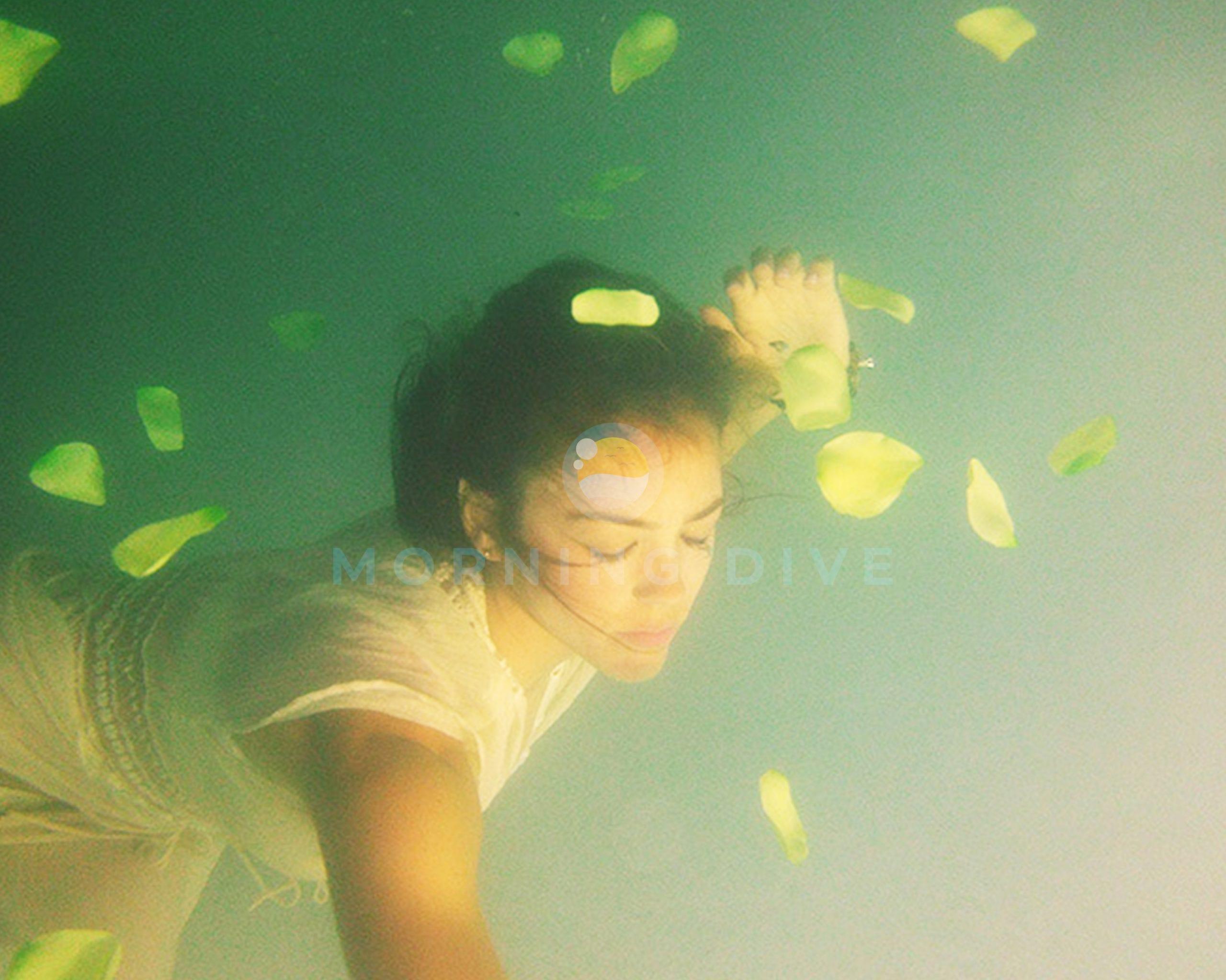 underwater photography pool women